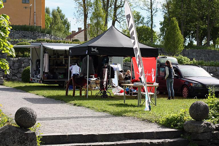 Vårat populära pop-up tält Eclipse II på Wenngarn Equestrian Summer Games mässområde.